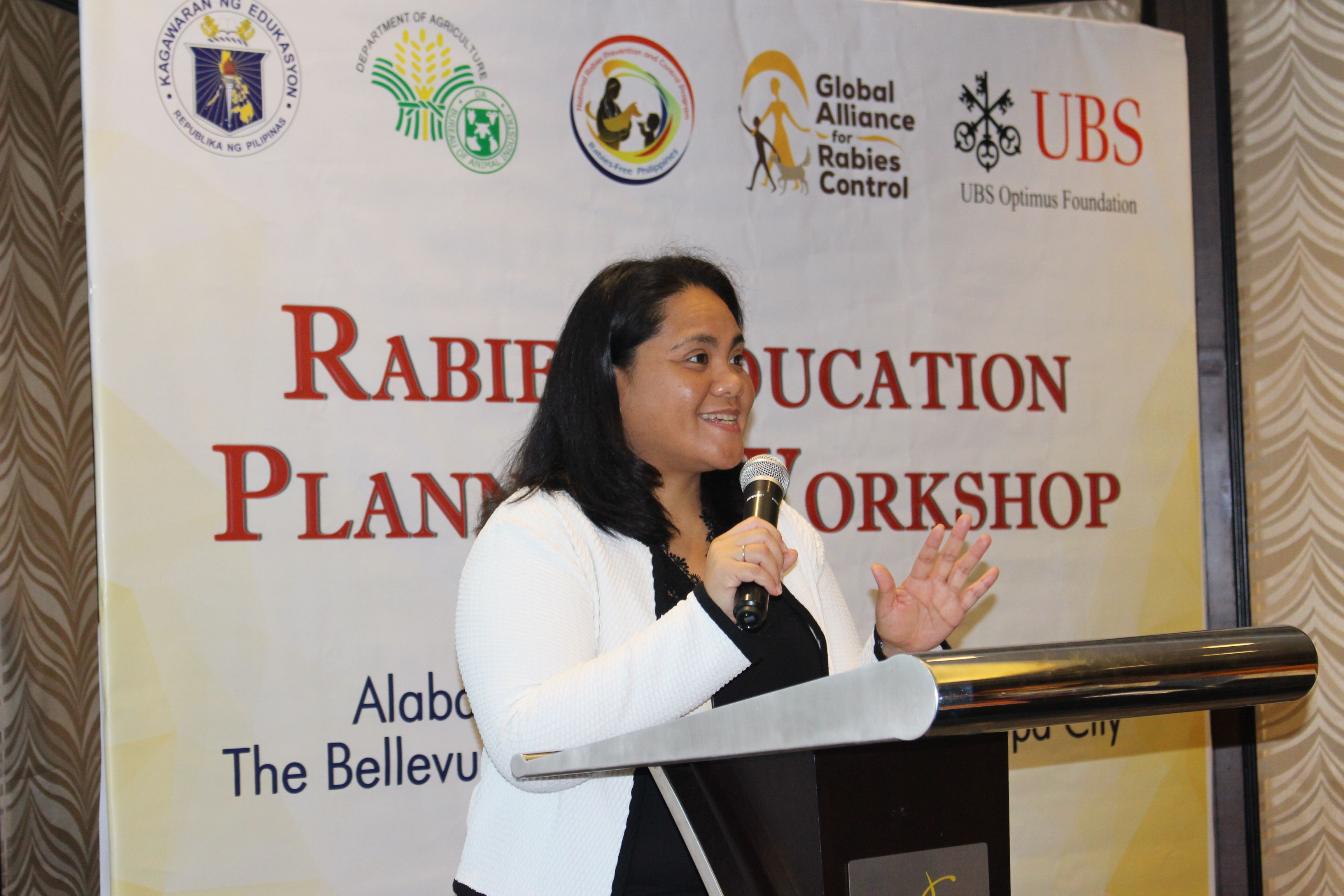Dr Sarah Jayme presents during a rabies education workshop in the Philippines.